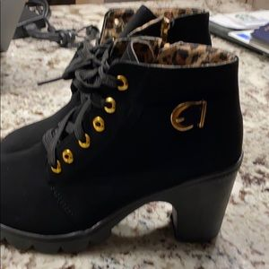 Booties size 40 brand new, never worn